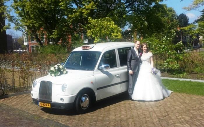 witte engelse taxi als comfortabel en ruim trouwvervoer Trouwvervoer.htm #16