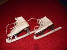 Te koop: (witte) schaatsen