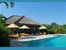 Bali, Luxe vakantiehuis te huur direct aan strand en zee