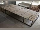 Unieke salontafel oude deur met ijzeren onderstel