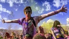 Holi-Gaudy Festival Diverse Locations Diverse Orte Tickets