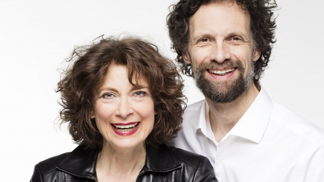 """Madeleine Sauveur: """"Lassen Sie mich durch, ich bin Oma!"""" Theater im Teufelhof Basel Tickets"""