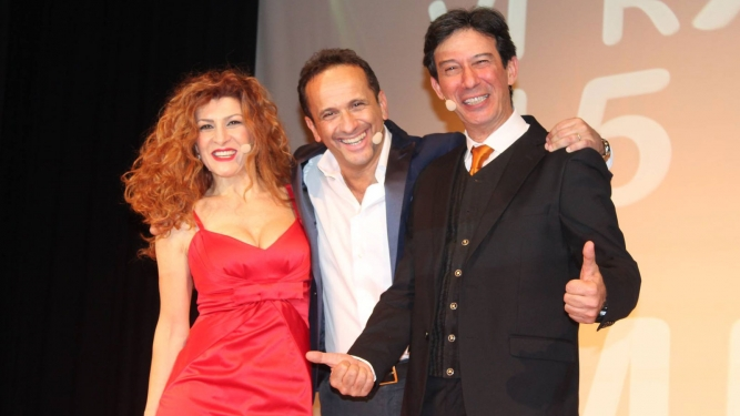 Uccio De Santis e il Cabaret dei Mudu' Theater National Bern Tickets