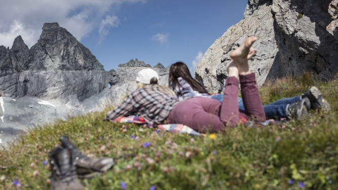 Spezialitäten-Wanderung ins UNESCO-Welterbe Tektonikarena Sardona Bergbahnen Flims Flims Biglietti