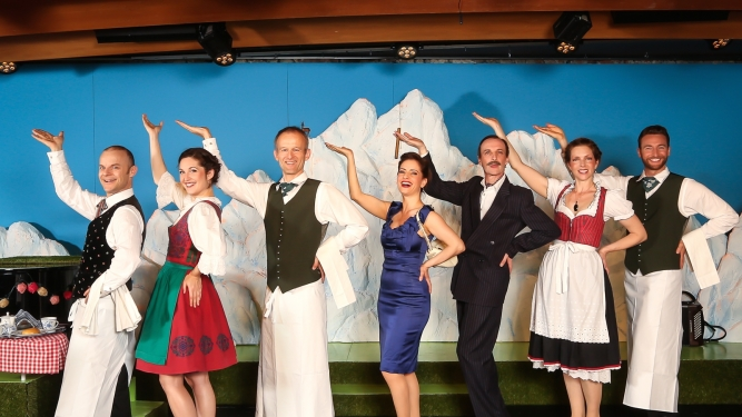 Im weissen Rössl Theater Fauteuil, Tabourettli Basel Biglietti