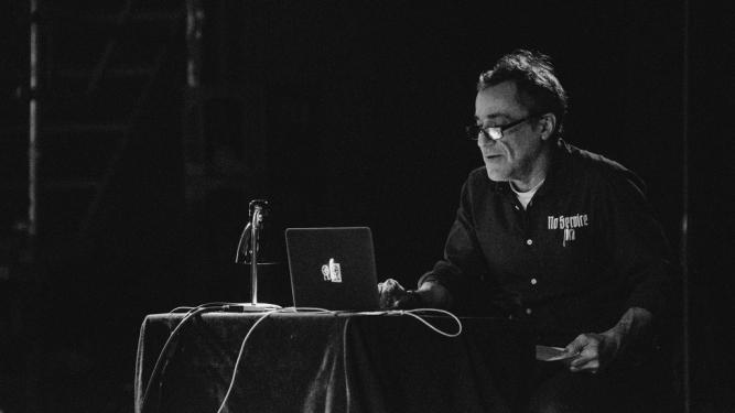 Kuttner erklärt die Welt Rote Fabrik Clubraum Zürich Biglietti
