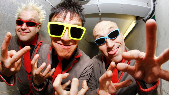The Toy Dolls + Guest Post Tenebras Rock - L'Usine Genève Tickets