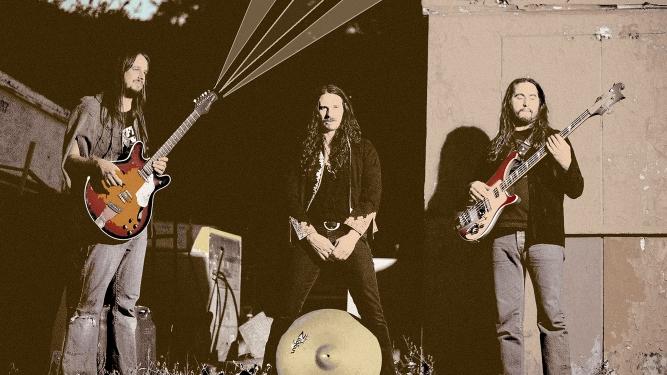 Radio Moscow + Monkey 3 Post Tenebras Rock - L'Usine Genève Tickets