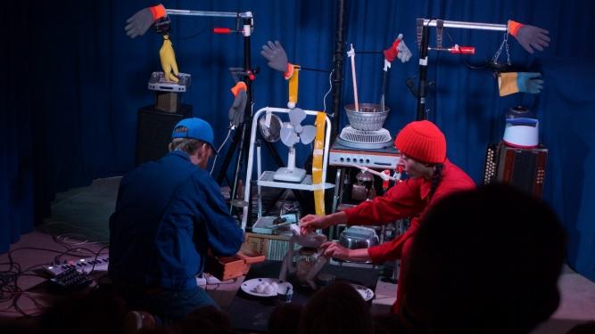 Chine Curchod & Roland Bucher: Robot Südpol Luzern Biglietti