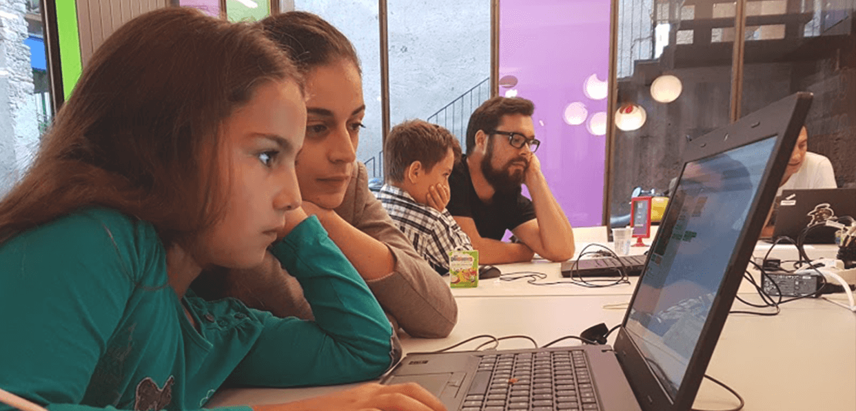 "France - Introducing children to coding ""Cap sur le Code"""