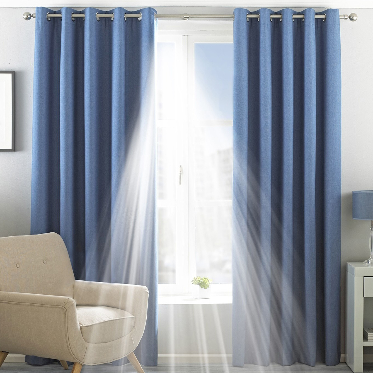 Riva Home Eclipse Blackout Eyelet Curtains (RV1083)