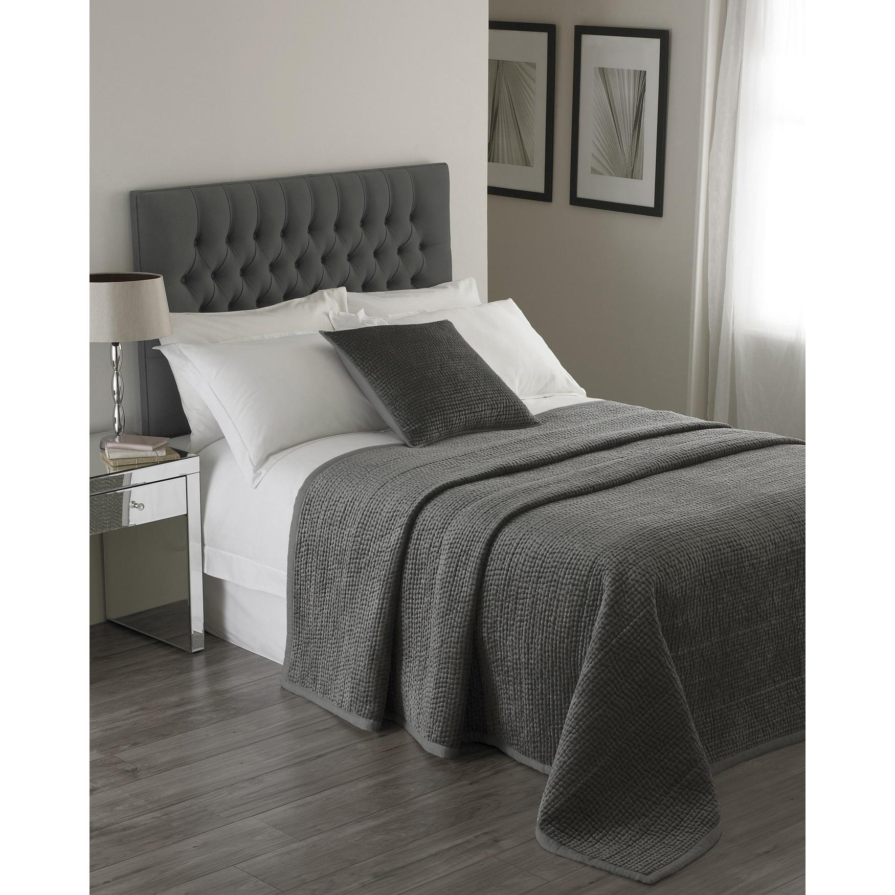 Riva Home Brooklands Bedspread (265x265cm) (Graphite)