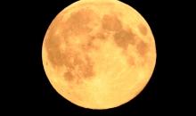 Saulriets un pilnmēness.