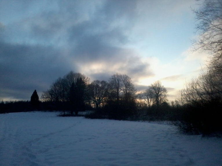 Pēcpusdienā debesis skaidrojas.