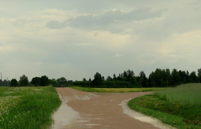 Pēc diviem dienā pagasta austrumu daļa saņem pirmo lietus devu.