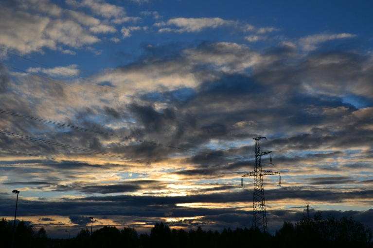Debesis pirms saulrieta.