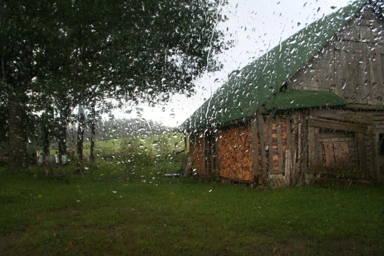 2007. Lietus.