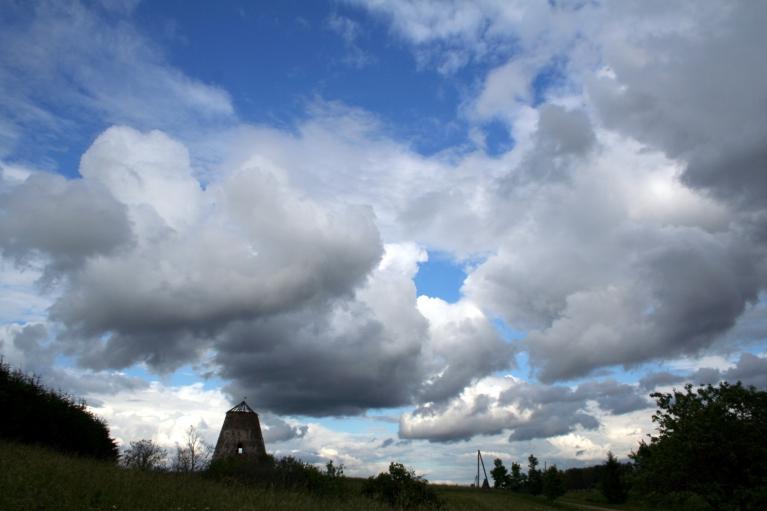 Autors: muntis. Vecpiebalga, 6.07.2012.