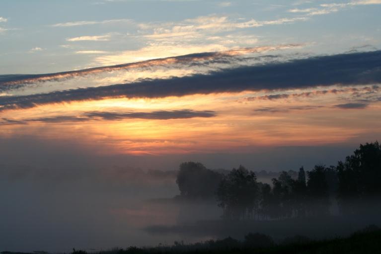 Līgo dienas rīts, gaisa t. +13 C (23.06. pl. 04:37)