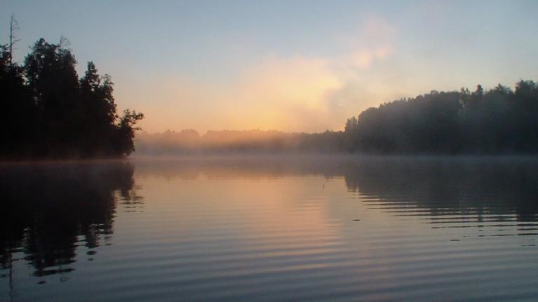 Saullēkts Salāja ezerā izskatījās kā parasti......