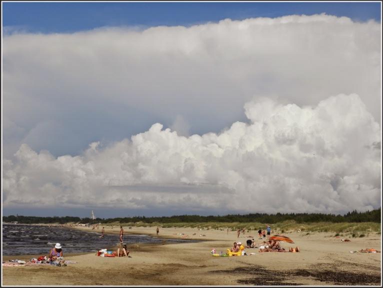 Jūlijs visai vasarīgs, bija gan negaisi un lietainas dienas, gan arī vasarīgi karstas