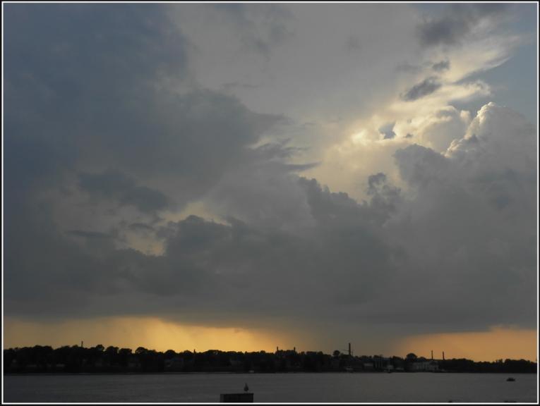 Autors: gubumākonis. Daudzšūnu negaiss pie Rīgas 6.jūlijā