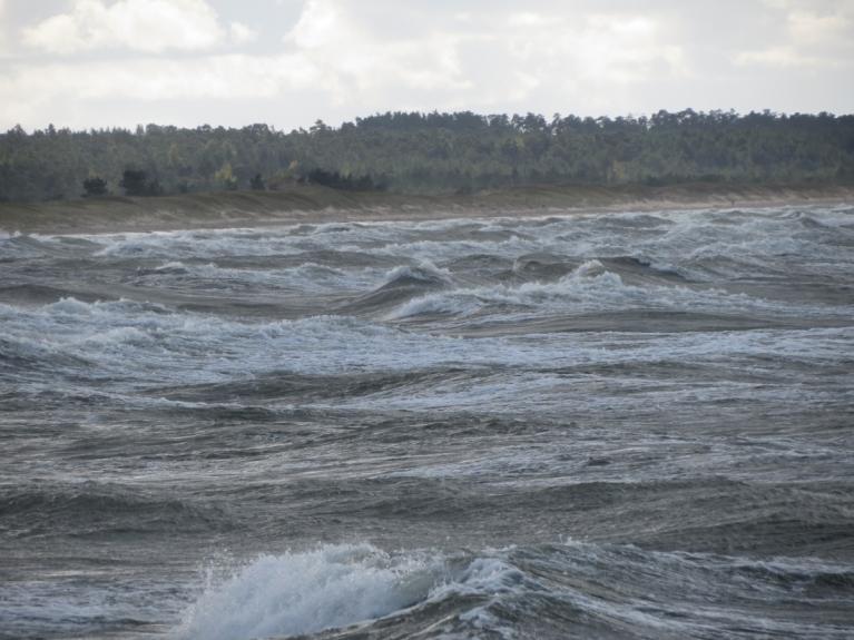 Piedzīvojām arī vējainas dienas ar spēcīgām brāzmām un viļņu šļakatām (23.09.)