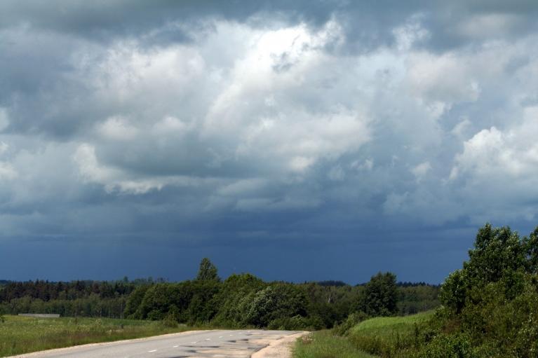 Autors: muntis. Krusa un lietus sasniedz arī Vecpiebalgu, 3.jūnijs