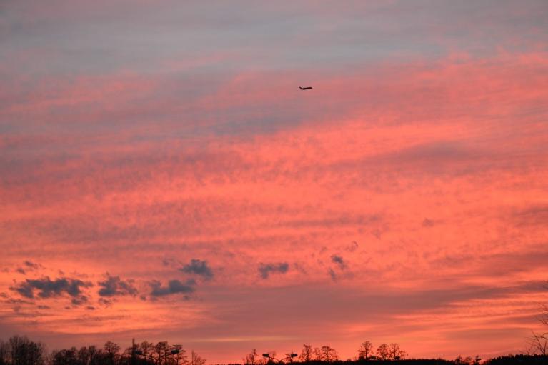22. aprīļa pēcsaulrieta debesis - Jurģa dienas priekšvakarā. Līdz ar šo laiku aizsākās siltuma ienākšana.