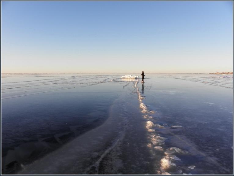 Pastaigas pa Rīgas līča ledu, marta vidus, Daugavgrīva.