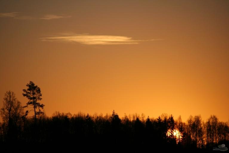 Saulītei lecot, pie manis -5, bet Vecpiebalgas otrā galā pie Bricu ezera -7.