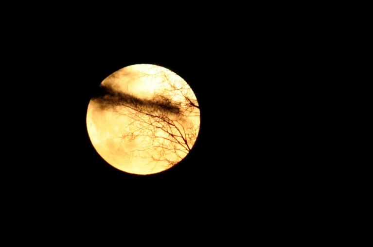 6. maija mēness riets un ...
