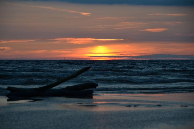 Saulrietā jūra jau ir pavisam cita...