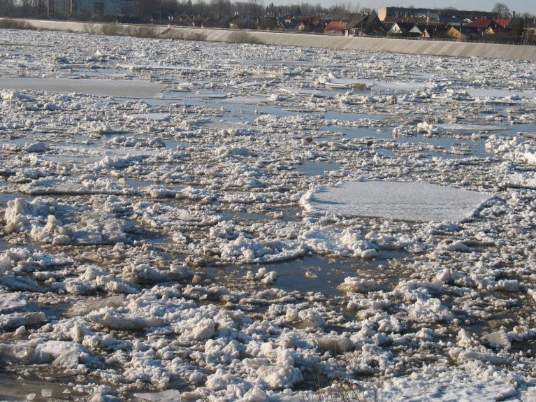 Autors: maikls. Ledus iešana Daugavā (Jēkabpils, 16.04. vakars)