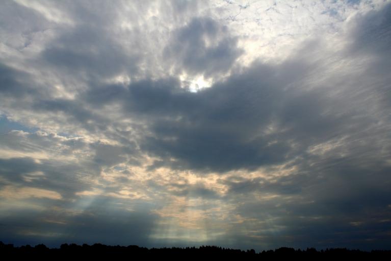 Klāt astronomiskā vasara, gaisa t. +19 C (21.06. pl. 08:04)