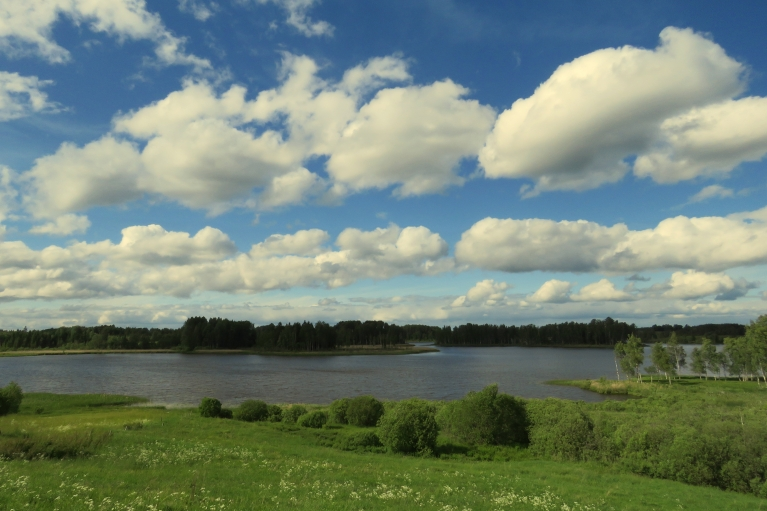 un Zobola ezeru.