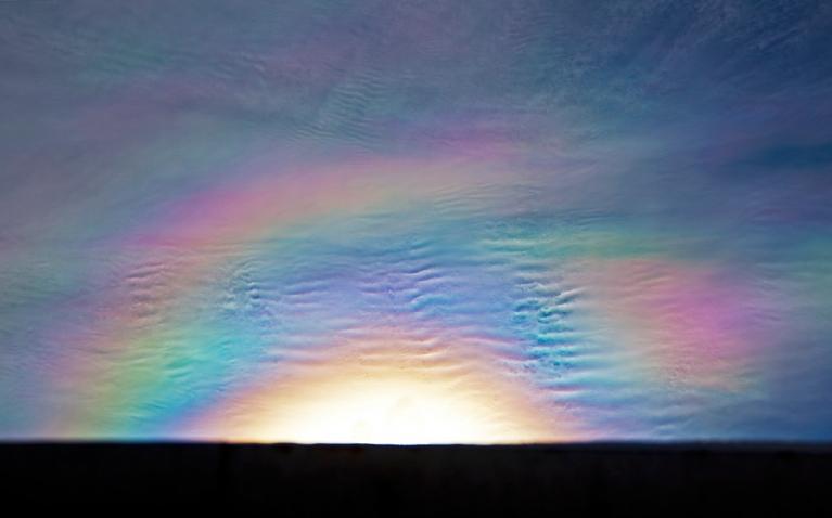 Atmosfēras optiskā parādība korona. Rīga, 9. marts.