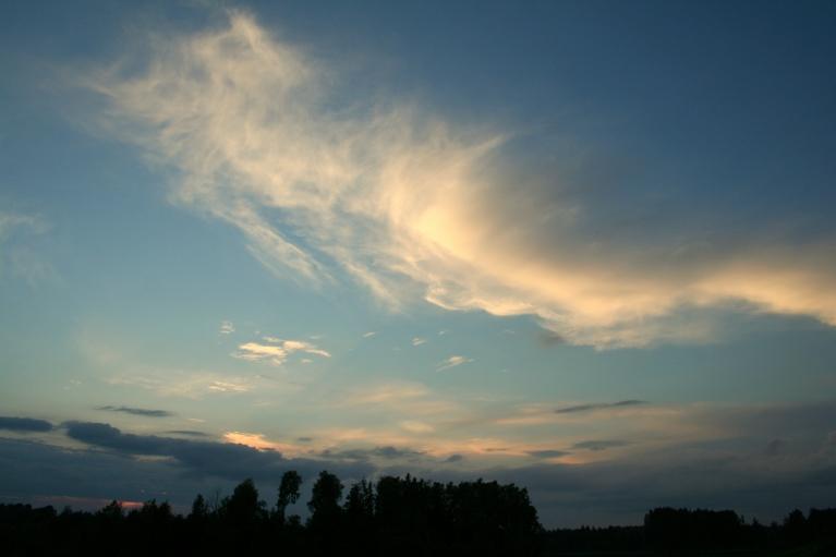 Pēdējie saules stari mākoņos (23.06. pl. 21:56)