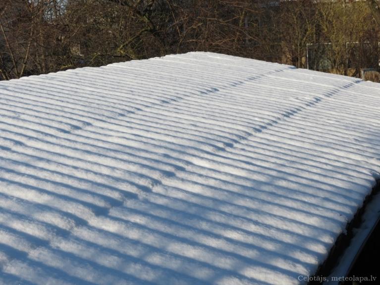 Jumta sniega vilnīši