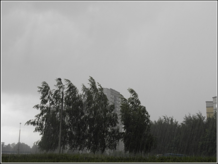 Autors: gubumākonis. Lietusgāzes ar krusu Rīgā, 2.jūnijā