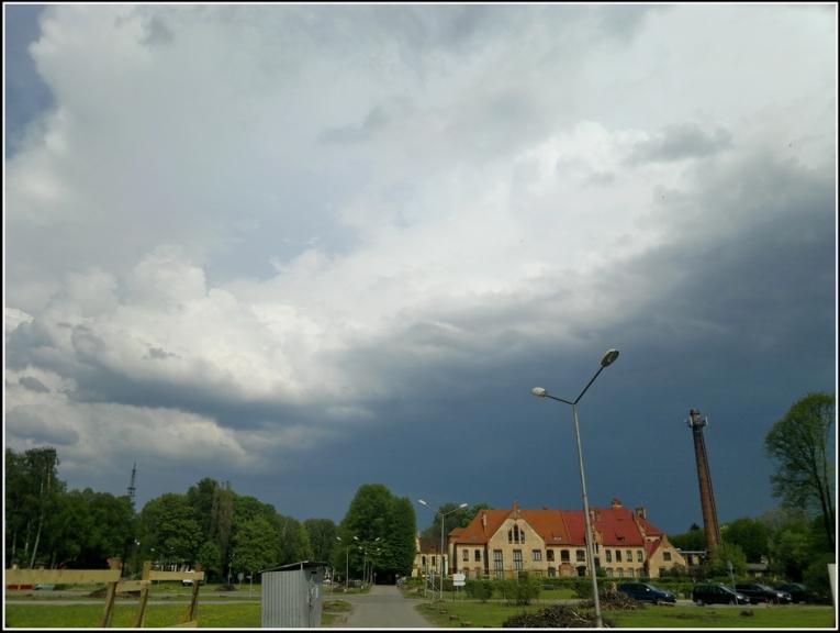 Autors: gubumākonis. Krusas negaiss Rīgā, 18.05. Pilnu šī autora konkrētā notikuma galeriju var skatīt ŠEIT.