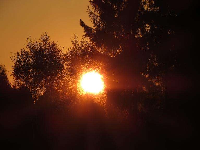 Līdz ar saules rietu kļūst jūtami vēsāks