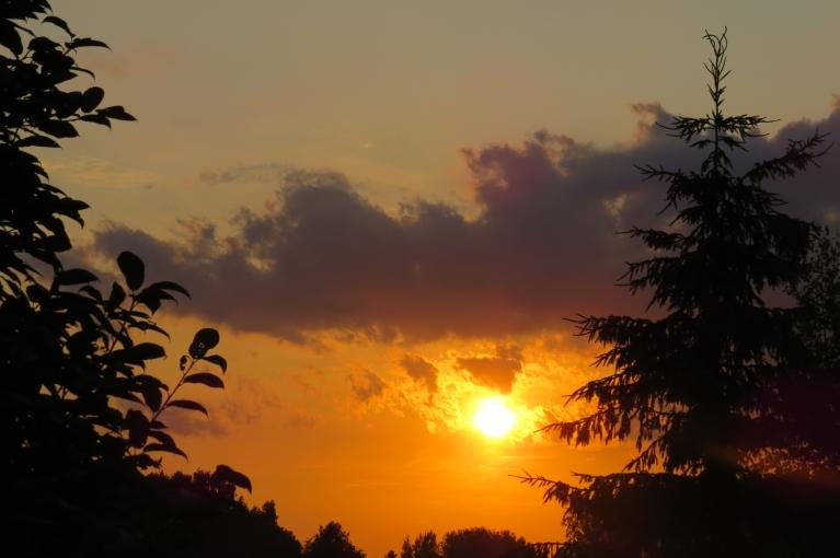 21. jūnijs - silts vasaras saulgriežu vakars.