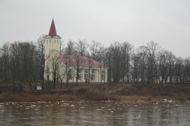 Pie Krustpils baznīcas