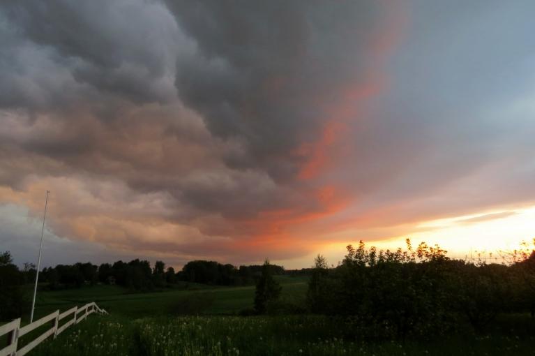 Autors: Migla. Vakara krāsas debesīs (28.05.)