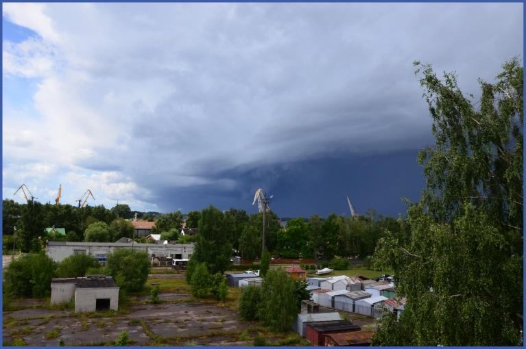 Foto: Madarela. Pāri Latvijai virzās šīs vasaras spēcīgākais negaiss (17.07.)