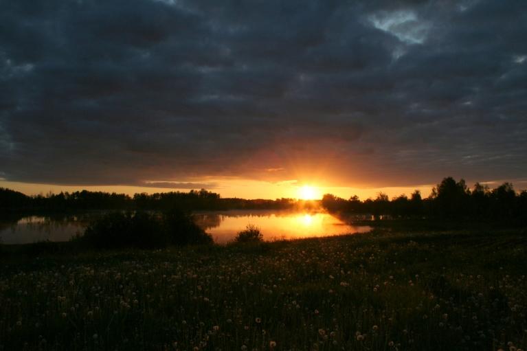 Saullēkts pie Zobola ezera 7.06., +5 C