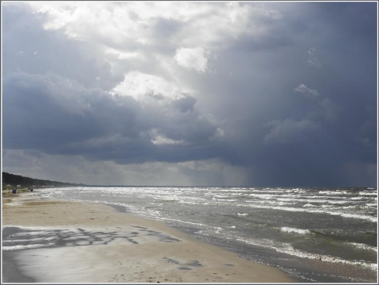 Autors: gubumākonis. 23.augusta pēcpusdiena ar negaisu.