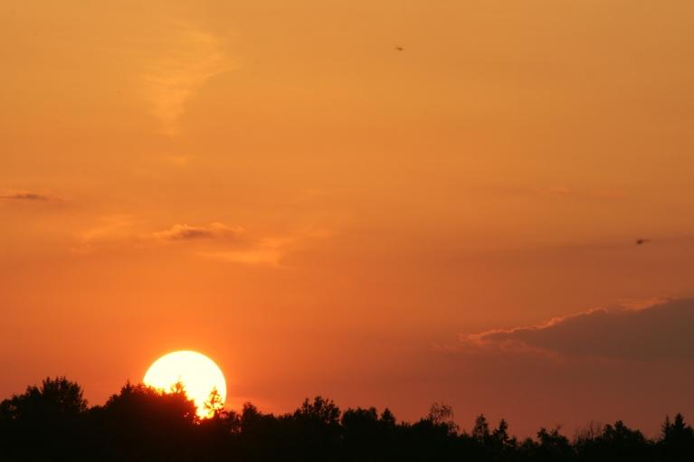 Saulgriežu dienas vakars uz ezera (21.06. pl. 21:48)