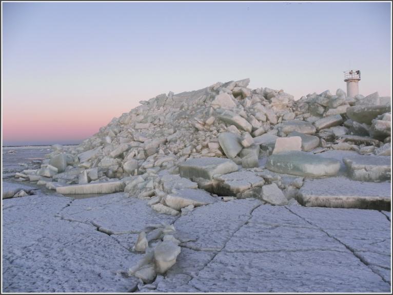 ledus kalns 5-6 metru aukstumā
